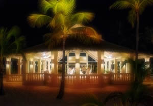 manchebo-wedding-chapel-beach-at-night